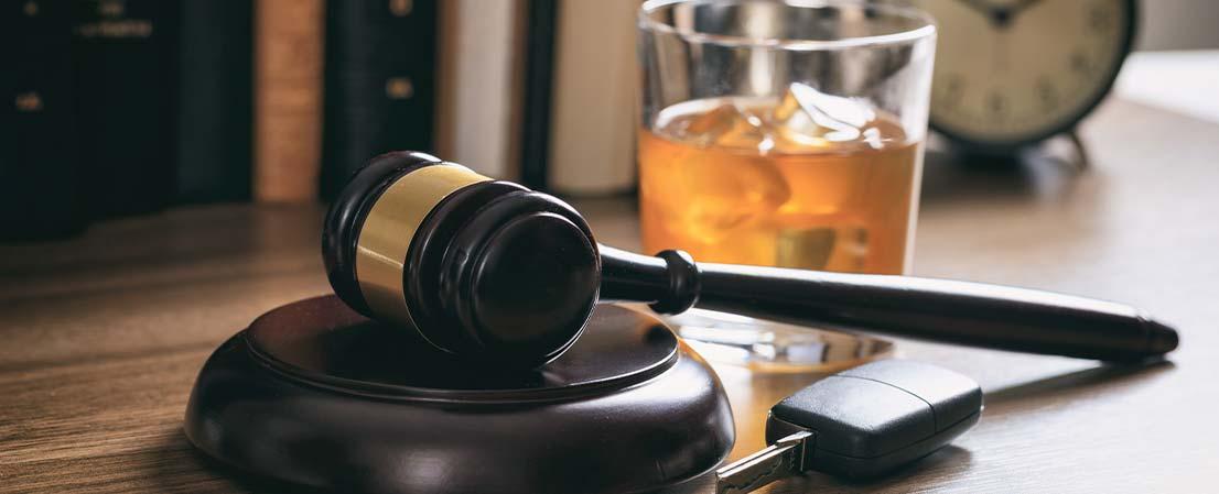 Alkohol am Steuer, Strafe bei Trunkenheit, Alkohol am Steuer strafe, führerscheinentzug, Alkoholgrenze auto, MPU